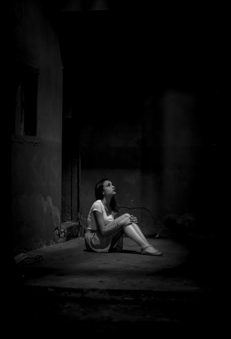 sad girl pic for WhatsApp