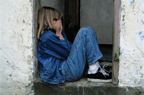 sad girl pic HD