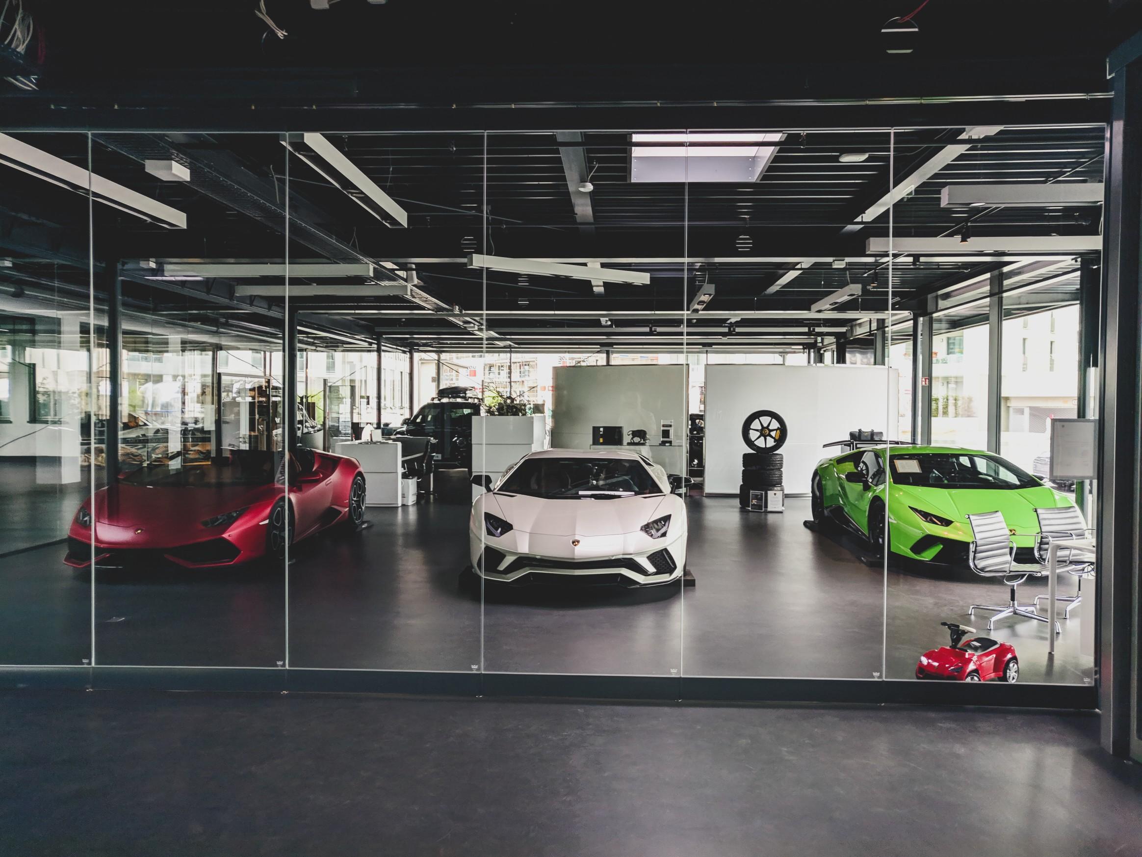 3 Lamborghini Aventador in one image white, green red