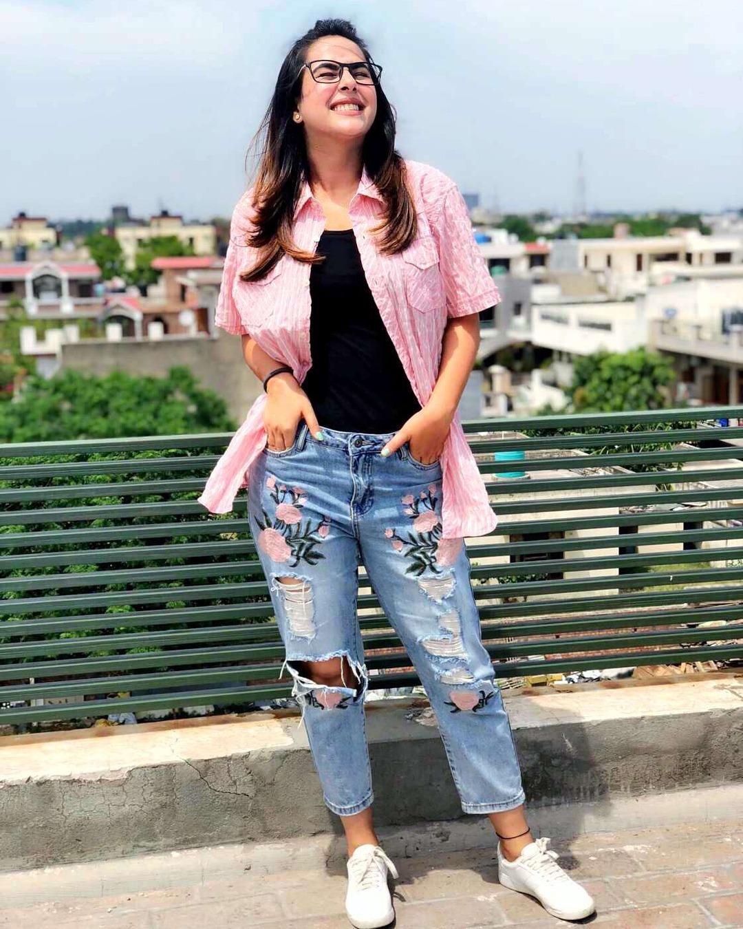 Sunanda Sharma pic