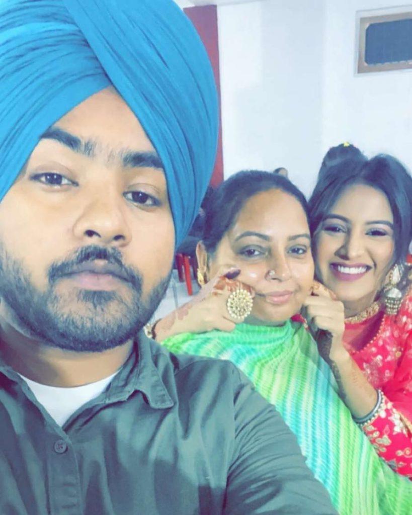 baani sandhu family