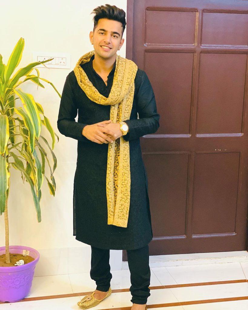 Jass Manak new Desi style HD Photo