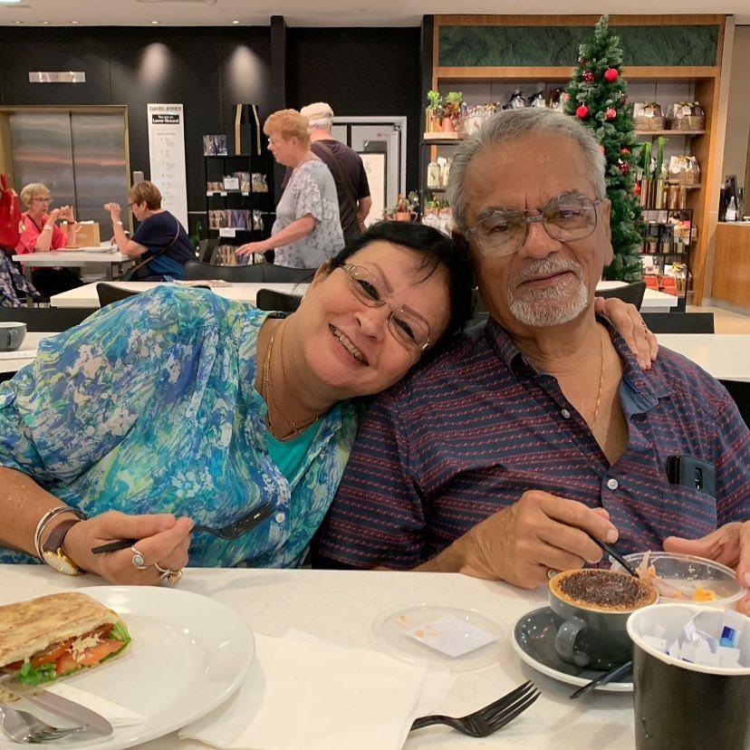Aesha Dhawan parents
