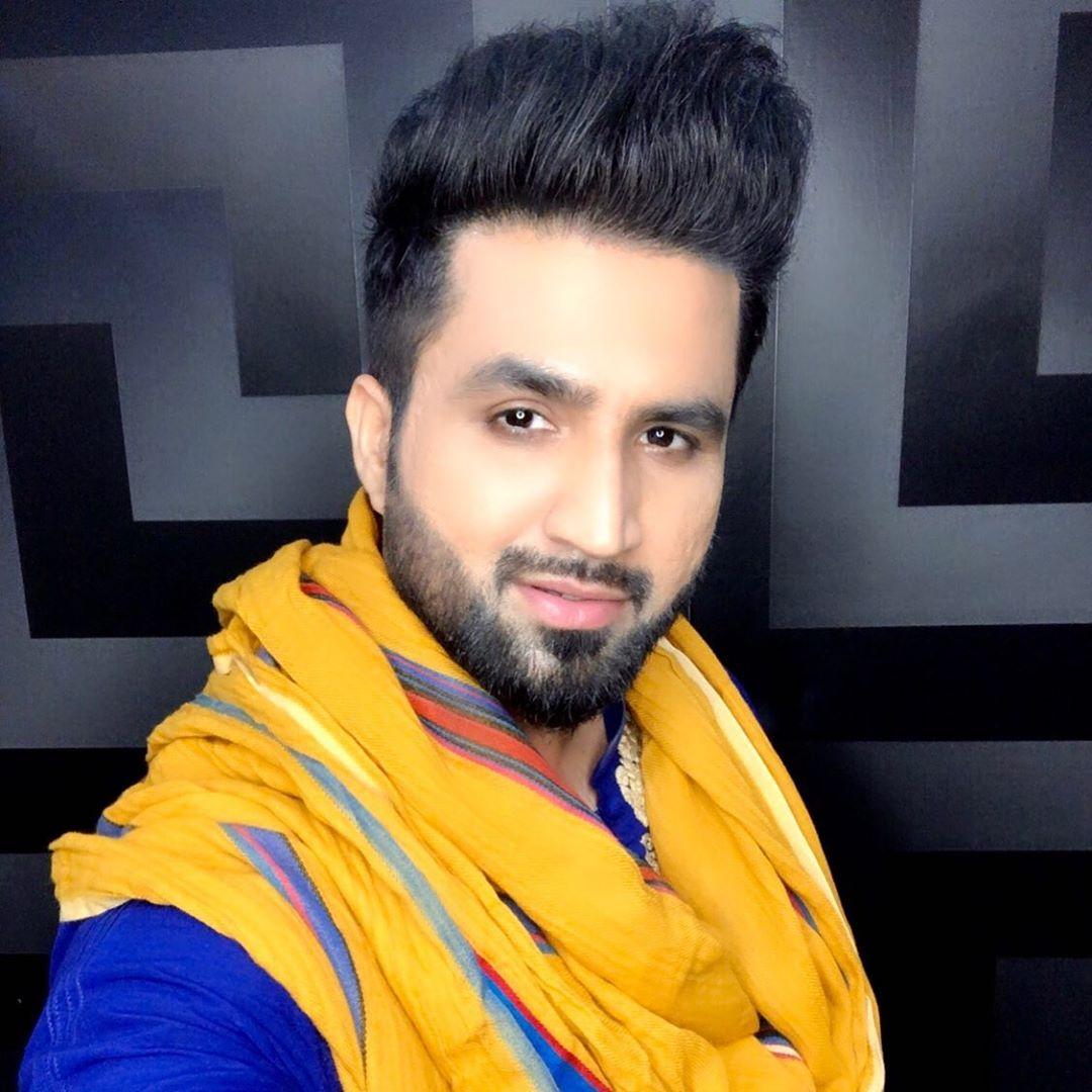 falak shabir hair style