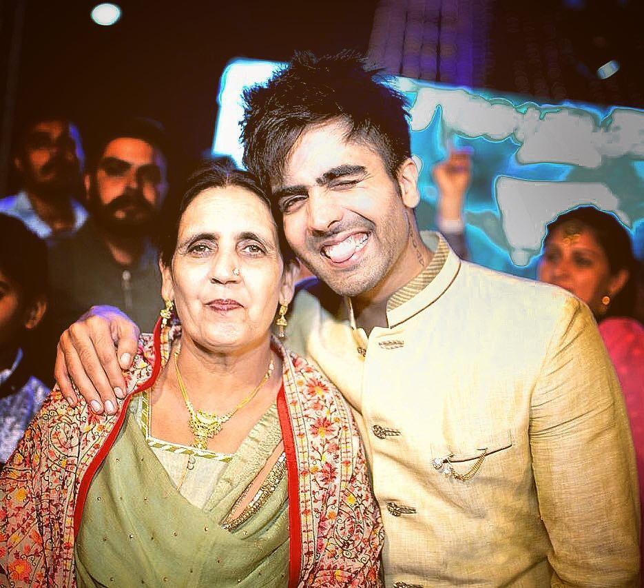 hardy Sandhu Mother