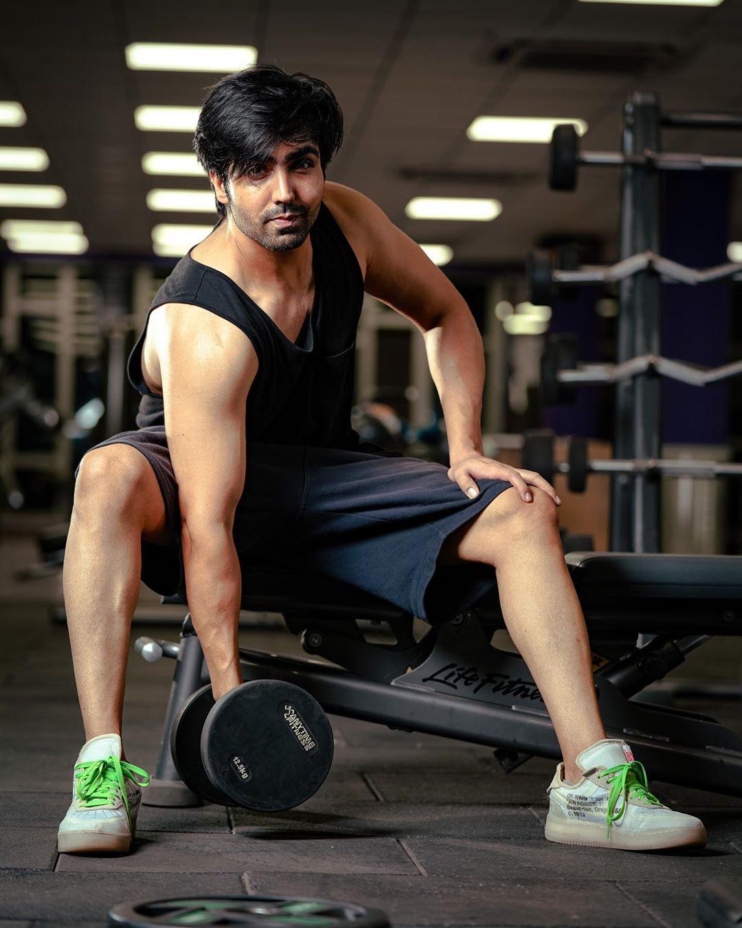 hardy Sandhu in gym